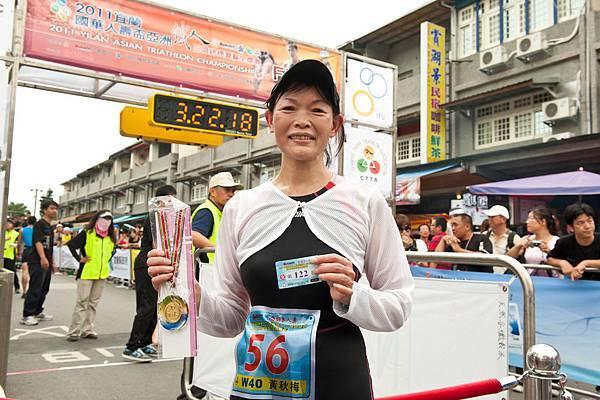 女子組參賽者年紀最長選手黃秋梅.jpg