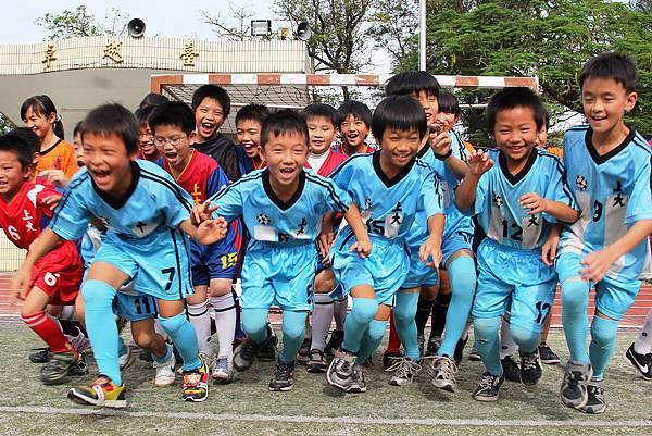 桃園上大國小足球校隊熱情參與-1116.JPG