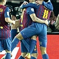 Messi 與隊友慶祝