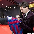 梅西(Lionel Messi)簽名在球衣上