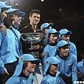 Novak Djokovic 與球僮們大合照