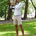 Novak Djokovic 一身便裝穿拖鞋拍照 仍是相當帥啊!