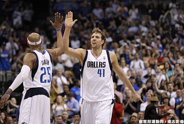Dirk與VC攜手擊敗火箭