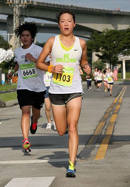 NIKE運動員汪旖文挑戰10公里路跑
