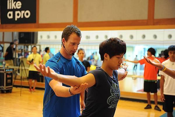 adidas 2012 國際健身學院-全球健身大使Brent Callaway指導效能訓練正確概念