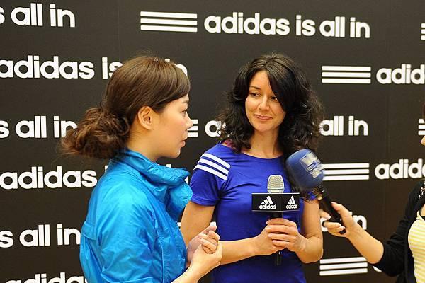adidas 2012 國際健身學院-全球瑜珈大使Ashleigh Sergeant