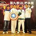 四強球星以超級英雄造型現身,宣誓全面對決決心