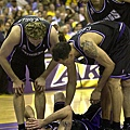 2002--含恨的鼻血-Mike Bibby