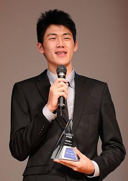 金酒超級新人劉錚喜獲抄截王與年度新人兩項大獎