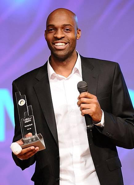 璞園戴維斯笑擁年度MVP等四大獎,堪稱本季最大贏家