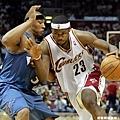 LeBron James --2006年 對巫師  季後賽第一次大三元