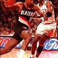 Clyde Drexler -- 1992年季後賽 對湖人 -- 42分、9籃板、12助攻