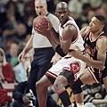 Michael Jordan -- 1992年季後賽 對熱火 -- 46分、11籃板、9助攻