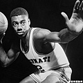 Oscar Robertson -- 曾在季後賽兩度超過 40 分 8 籃板 10助攻 的成績