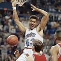 Brad Daugherty -- 1992年季後賽 對籃網 -- 40分、16籃板、9助攻