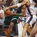 Paul Pierce -- 共 3 次單場罰球次數超過 20 次