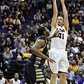 中鋒--8.Justin Hamilton--路易斯安那州立大學(LSU),大二(7呎,260磅)