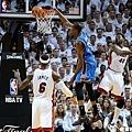 Durant 這場比賽雖攻下 32 分 卻無力回天