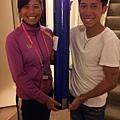 陳彥博帶著奧運聖火火炬前往溫布頓為台灣網球一姐謝淑薇加油