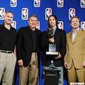 2006 年  蟬聯 MVP
