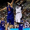 Kobe 挑戰西班牙禁區