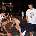 Nike球星林書豪擔任Nike Summer Nights後衛訓練營指導教練,強調不斷訓練才能成功