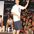 Nike球星林書豪擔任Nike Summer Nights後衛訓練營指導教練,親身示範上籃動作