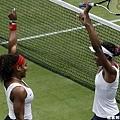 [女子網球] Williams 姐妹摘下雙打金牌