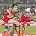 劉翔在世界田徑錦標賽被Robles打到,犯規干擾