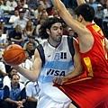 Luis Scola在雅典奧運挑戰大陸隊禁區