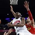 Kobe Bryant 挑戰西班牙禁區