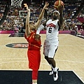 美國隊力壓西班牙摘下金牌