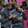 美國隊頒獎典禮上領取金牌