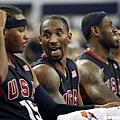 Kobe Bryant擔任老大哥,年輕的03梯全力突圍