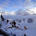 布羅德峰第一營佈滿冰河與深雪