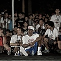 Rajon Rondo 坐在場邊觀賽