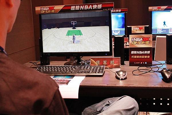 小編親自下場體驗《NBA2K Online》
