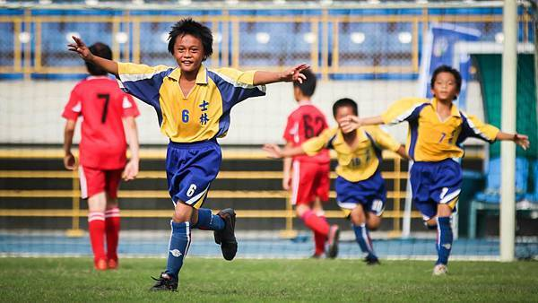 2012-13TYL聯賽,分兩階段進行,增加小朋友的比賽場次到15-19場。
