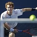擊退 Novak Djokovic,Andy Murray 笑吻首座大滿貫金盃
