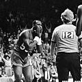 傷病困擾  1986-87 球季