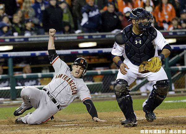 Ryan Theriot 跑回致勝分!