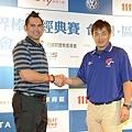 泰國隊代表 Johnny Damon 和中華隊代表彭政閔
