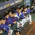 中華隊仔細觀看比賽、謹慎應戰