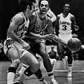 7. 費城76人 1972-73 賽季
