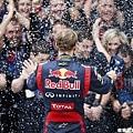 Sebastian Vettel 成為最年輕三冠王