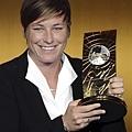 Abby Wambach 奪下年度世界足球小姐后座