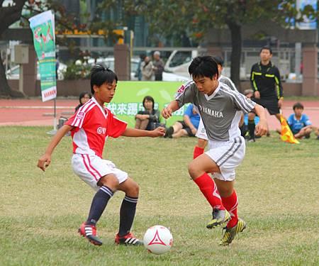 第四屆YAMAHA CUP快樂踢球趣--冠軍戰精彩照片 (2)