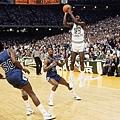 9.1982--NCAA冠軍賽致勝絕殺  帶領北卡擊敗喬治城大學