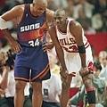 12.1993--冠軍賽對決 Charles Barkley  Jordan為最後贏家