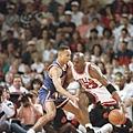 13.1993--季後賽對上尼克的強拉尾盤  在0勝2敗逆勢下連拿4場勝利